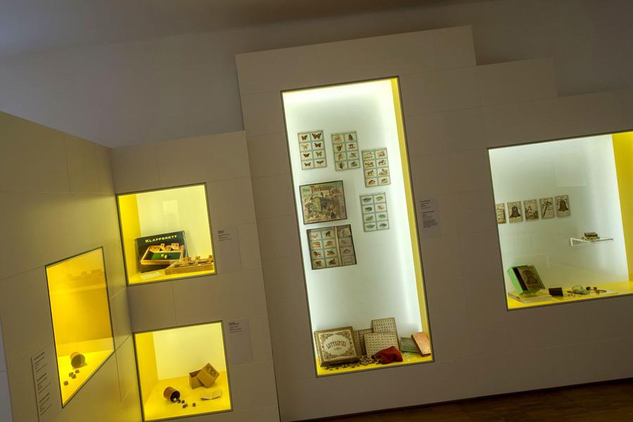 DU BIST DRAN, Spielzeug Museum, Salzburg